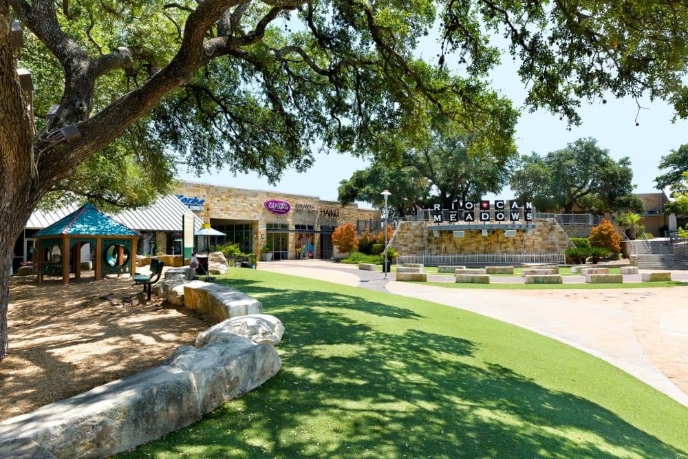 Rio Can Meadows Shopping Center in Austin, TX