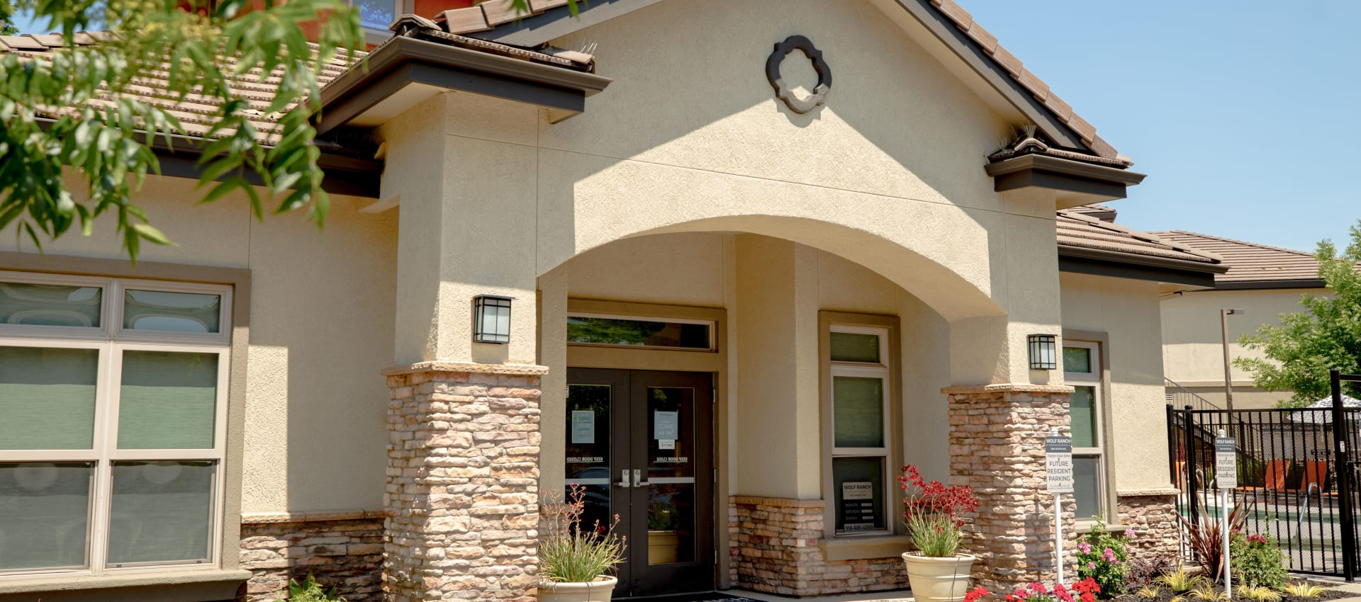 Clubhouse exterior at Wolf Ranch Condominium Rentals in Sacramento