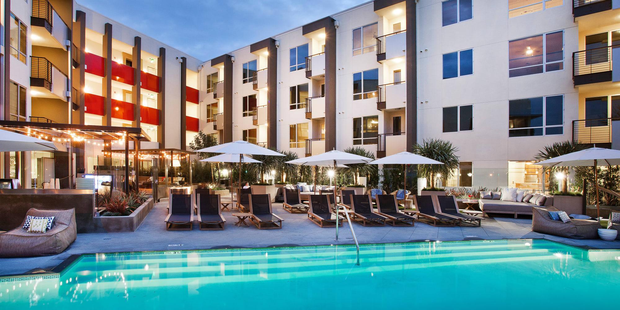 Brio Apartment Homes apartments in Glendale, California