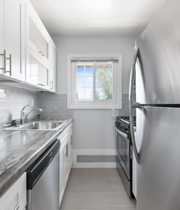 Spacious kitchen at Eagle Rock Apartments at Mineola in Mineola, New York