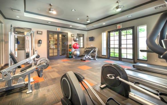 Fairfield apartment community amenities