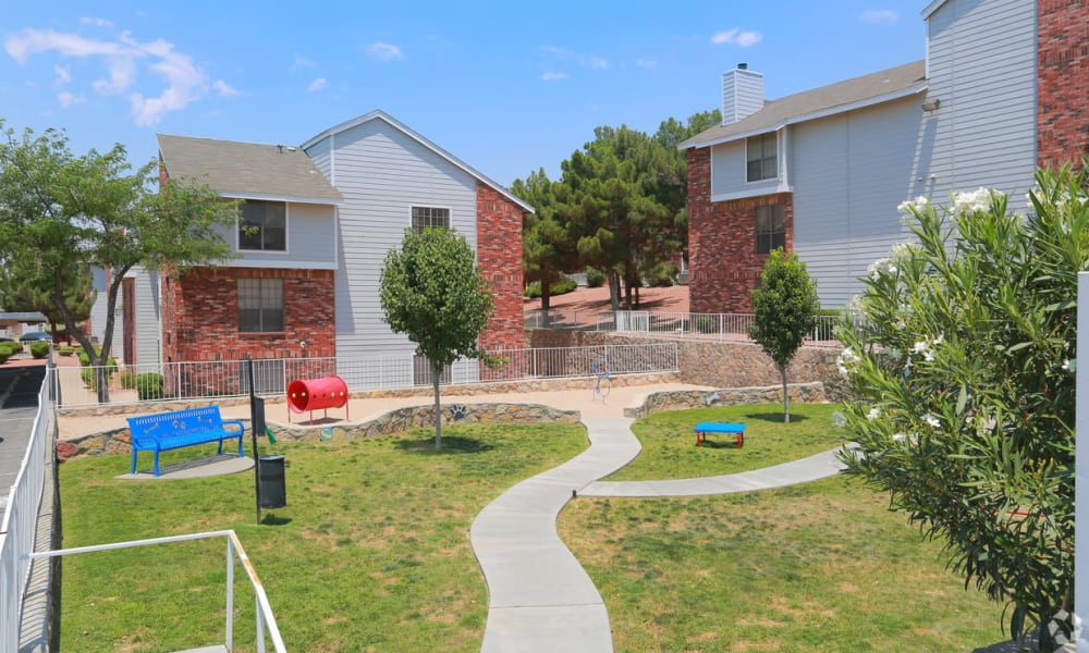 Outdoor courtyard area at Shadow Ridge Apartments in El Paso, Texas