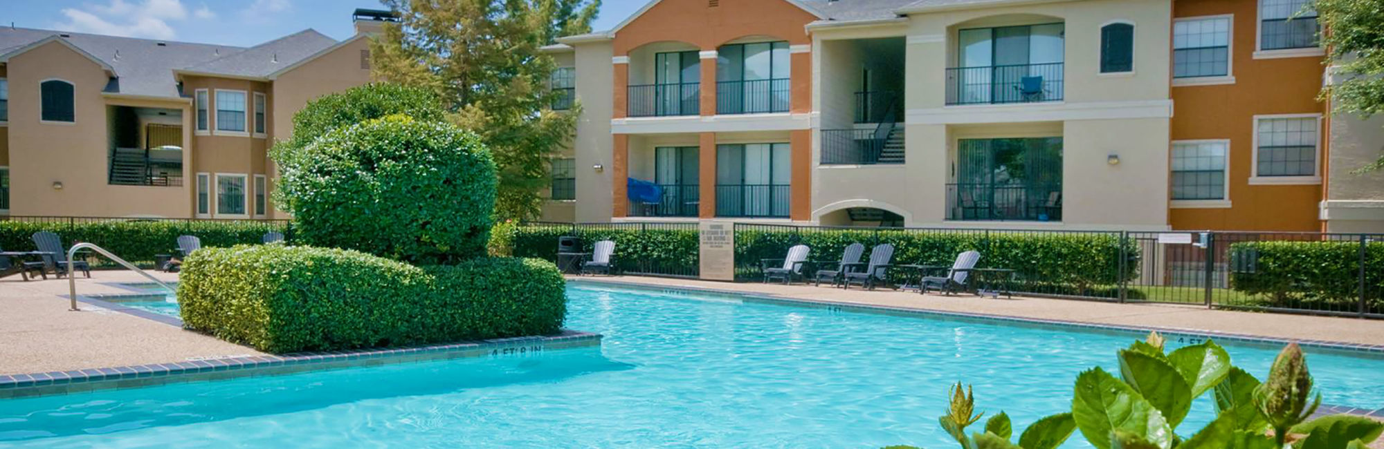 Apartments at Rockbrook Creek in Lewisville, Texas