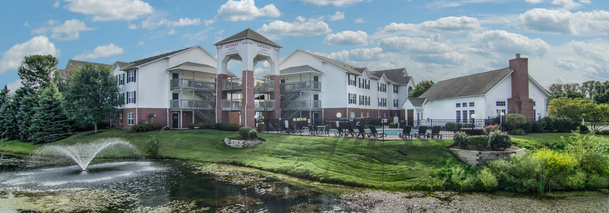 Apartments at Gateway Lakes Apartments in Grove City, Ohio