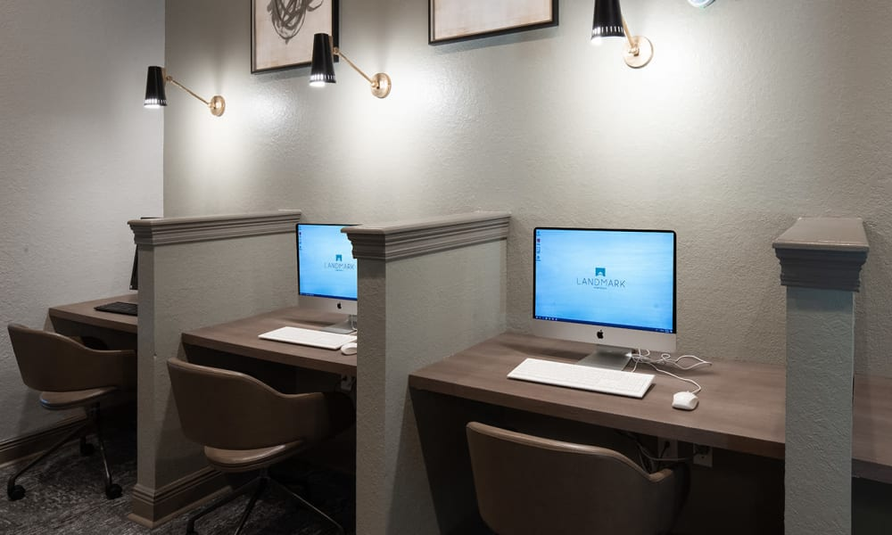 Our apartments in Tuscaloosa, Alabama showcase a computer lab with free printing and new computers