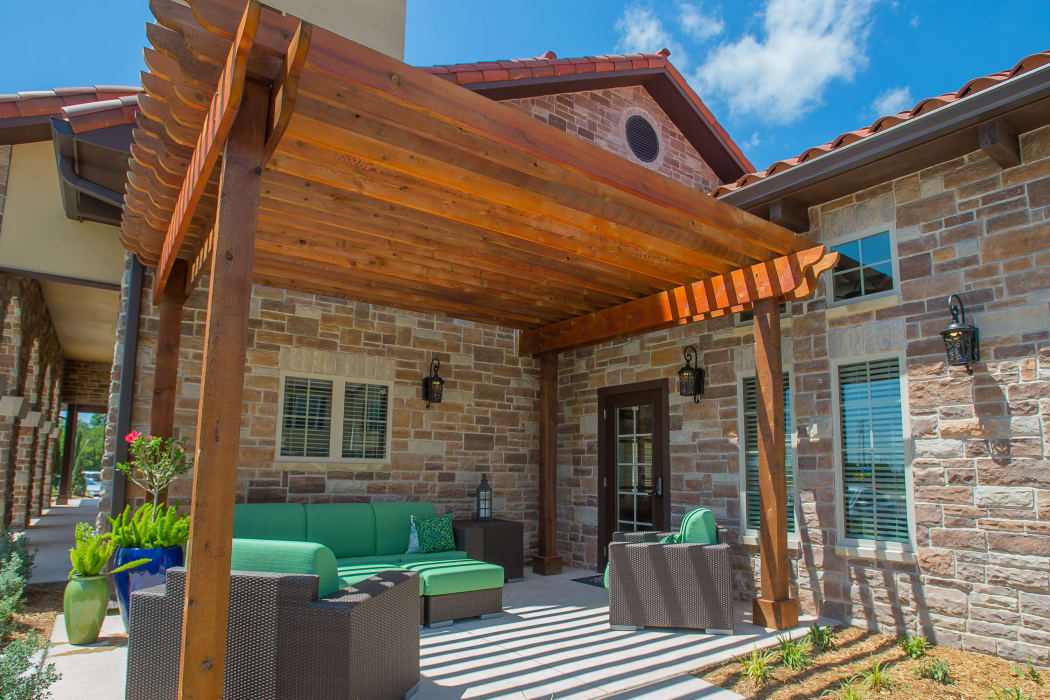 Patio with comfortable seating at Tuscany Ranch in Waco, Texas