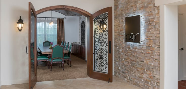 Entrance to dining room at Merrill Gardens at ChampionsGate