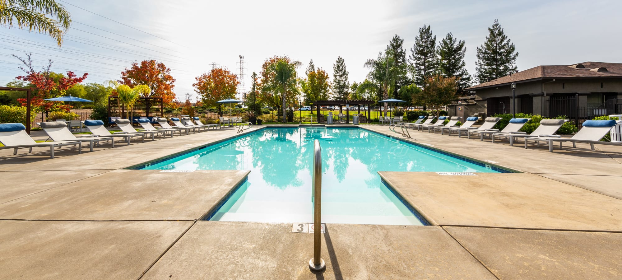 Apartments at The Fairmont at Willow Creek in Folsom, California