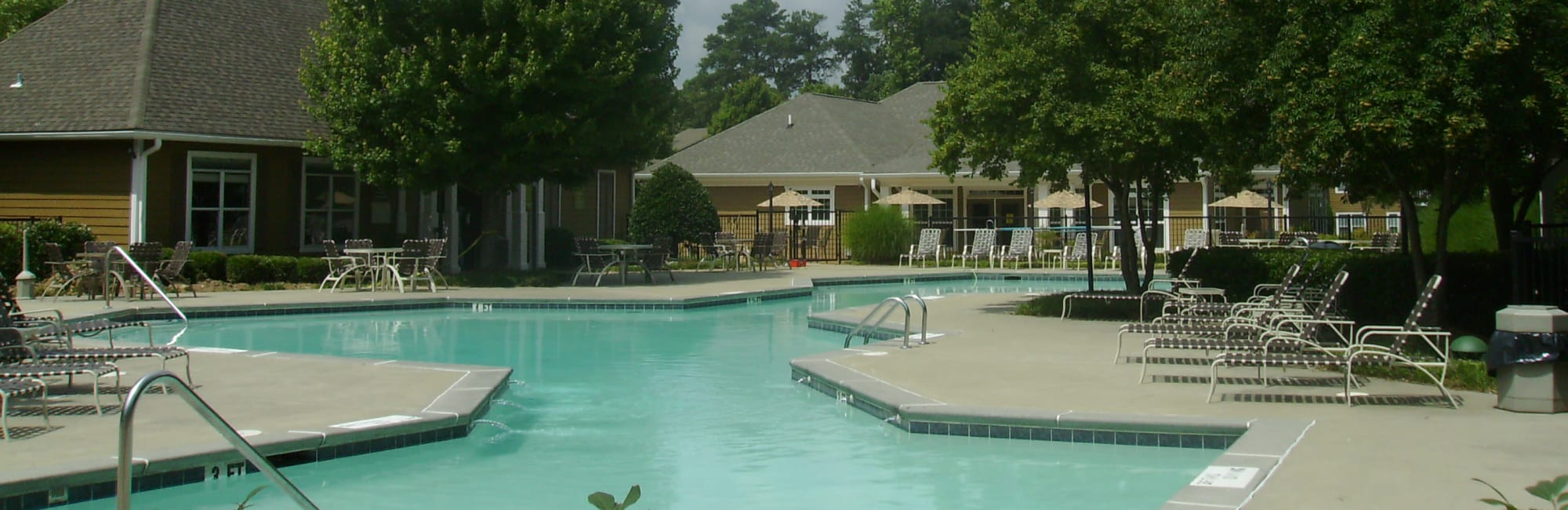 Apartments at Azalea Springs in Marietta, Georgia