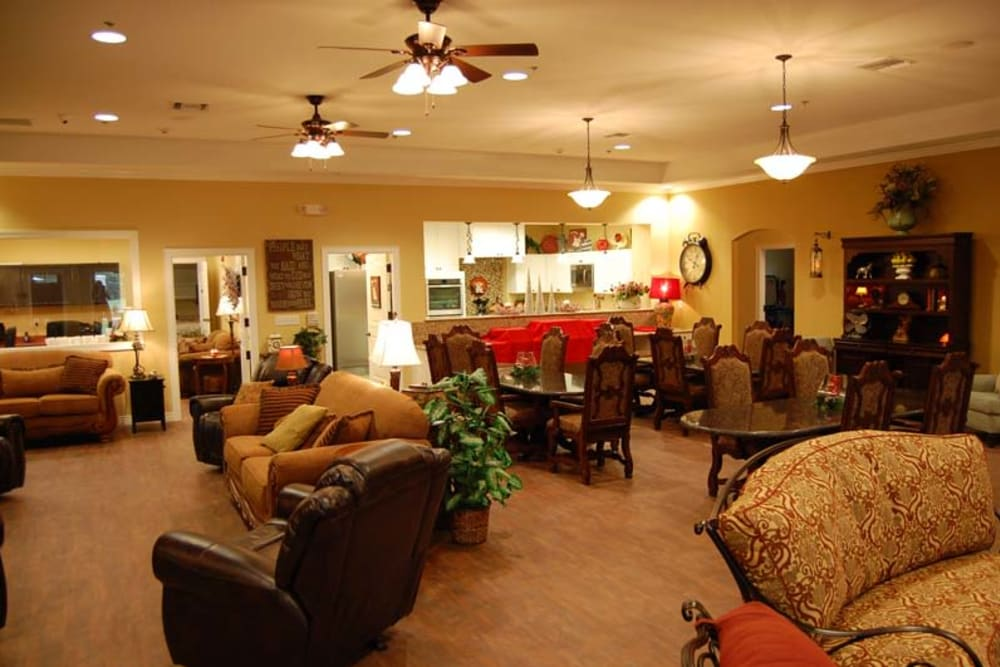 Lounge seating for residents at Autumn Grove Cottage at Stone Oak in San Antonio, Texas