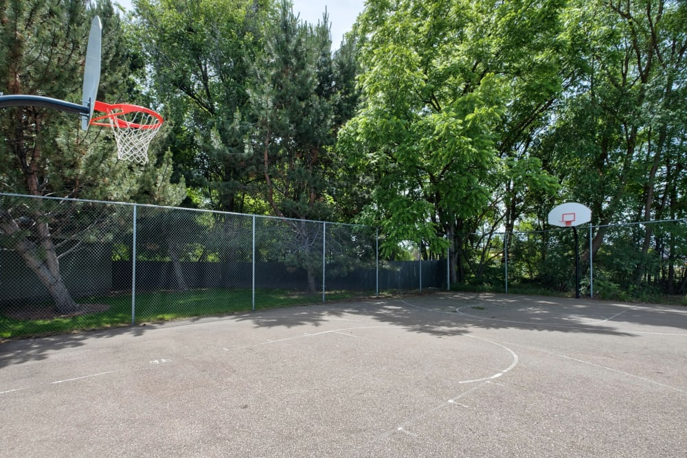 Basketball Court at Arbor Crossing Apartments in Boise, ID