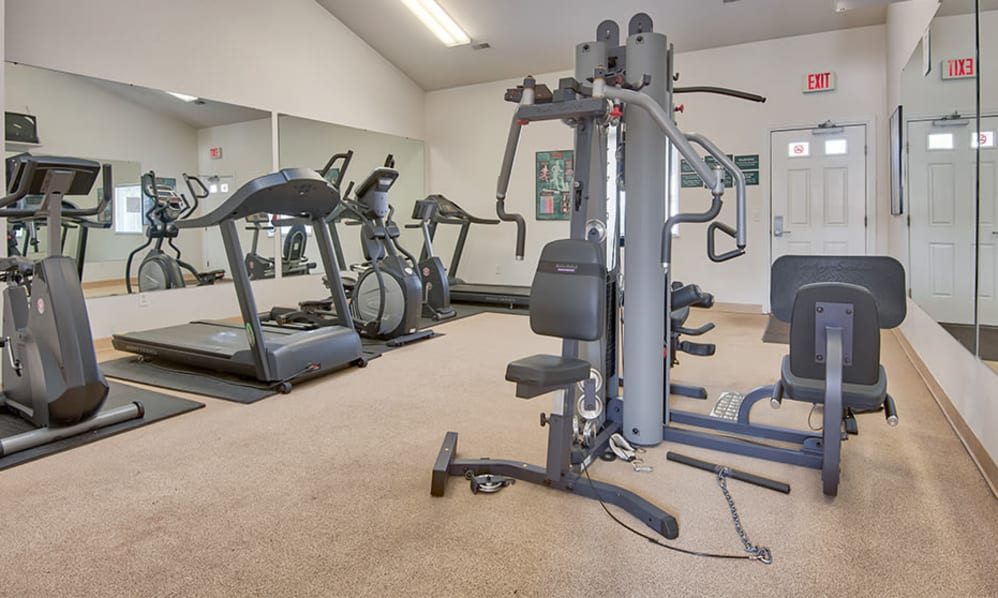 Fitness center located at Steeplechase Apartments & Townhomes in Toledo, Ohio
