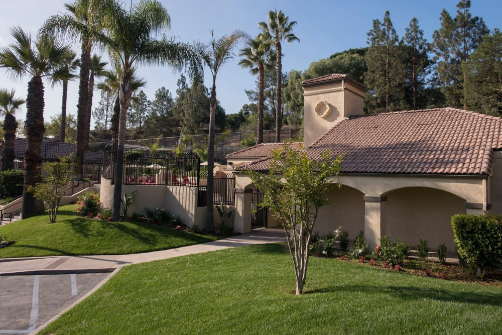 Beautiful landscaped location at Shadow Ridge Apartment Homes in Simi Valley, California