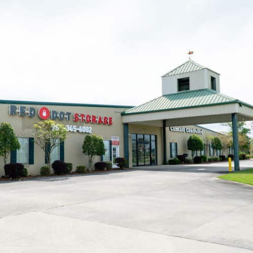 The rental center at Red Dot Storage in Hammond, Louisiana