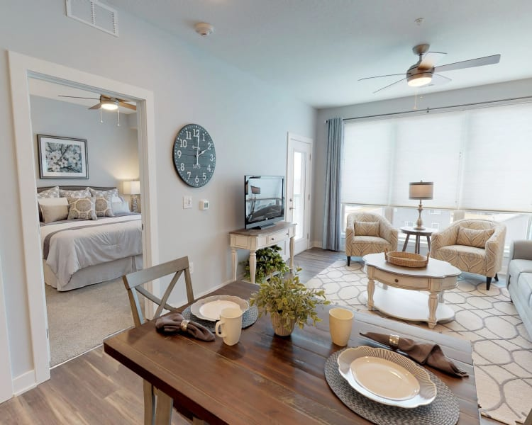 Learn more about the fabulous apartment features offered at Attivo Trail