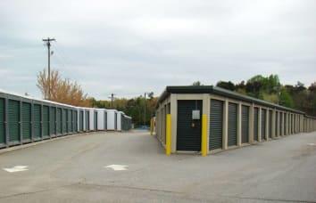 Clean self storage facilities in southwest Jamestown, North Carolina