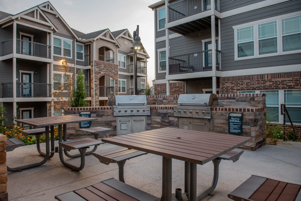 Community gilling and picnic area in Artisan Crossing's clubhouse in Norman, Oklahoma