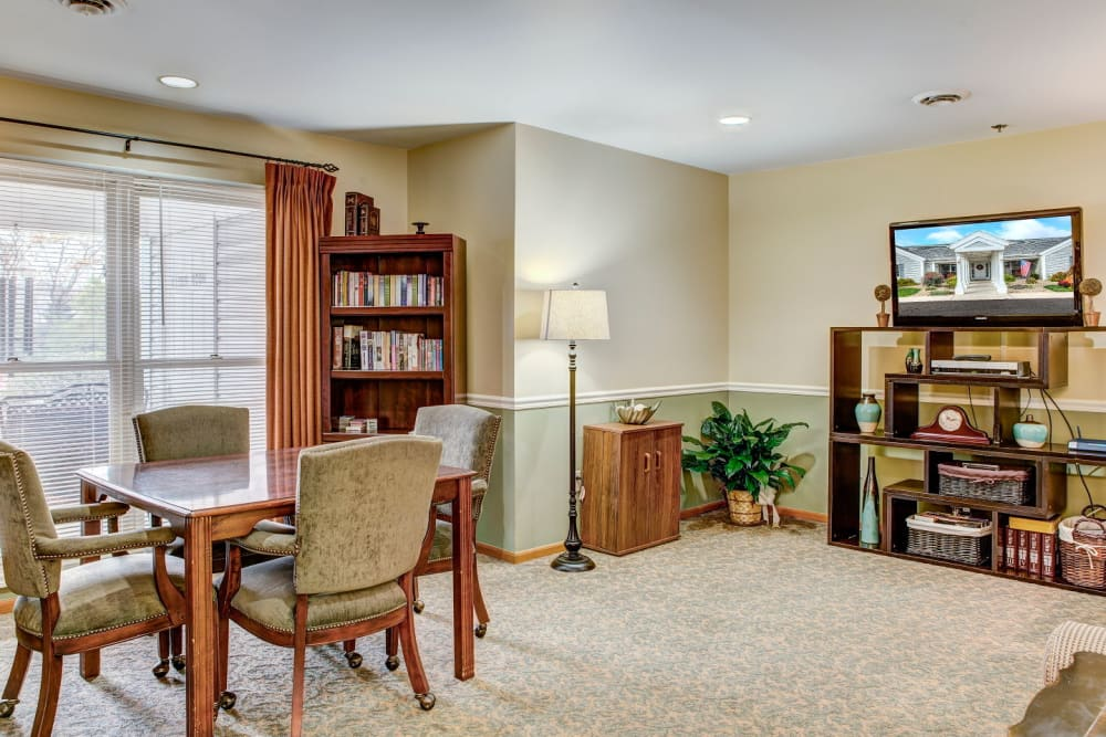 Activty and game room at Carriage Court of Grove City in Grove City, Ohio