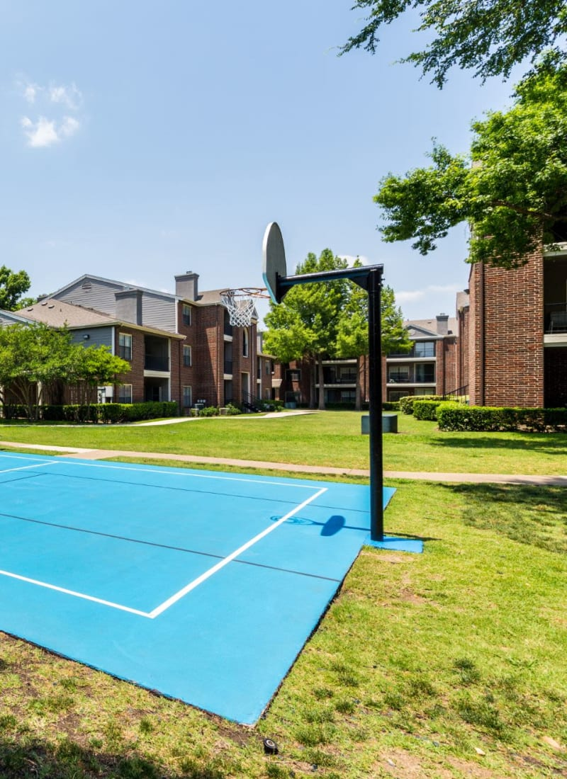 Basketball courts at Marquis at Legacy in Plano, Texas