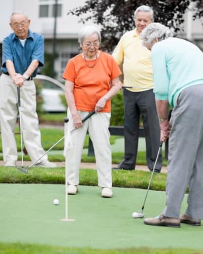 Residents playing golf at Keystone Villa at Douglassville in Douglassville, Pennsylvania
