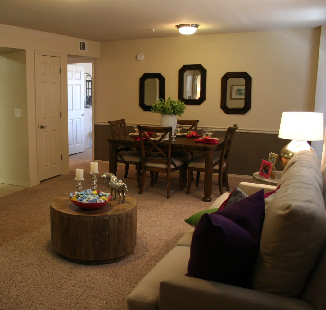 Remington Apartments living room in Amarillo, Texas