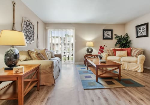 Spacious living room at Summerfield Apartment Homes in Harvey, Louisiana