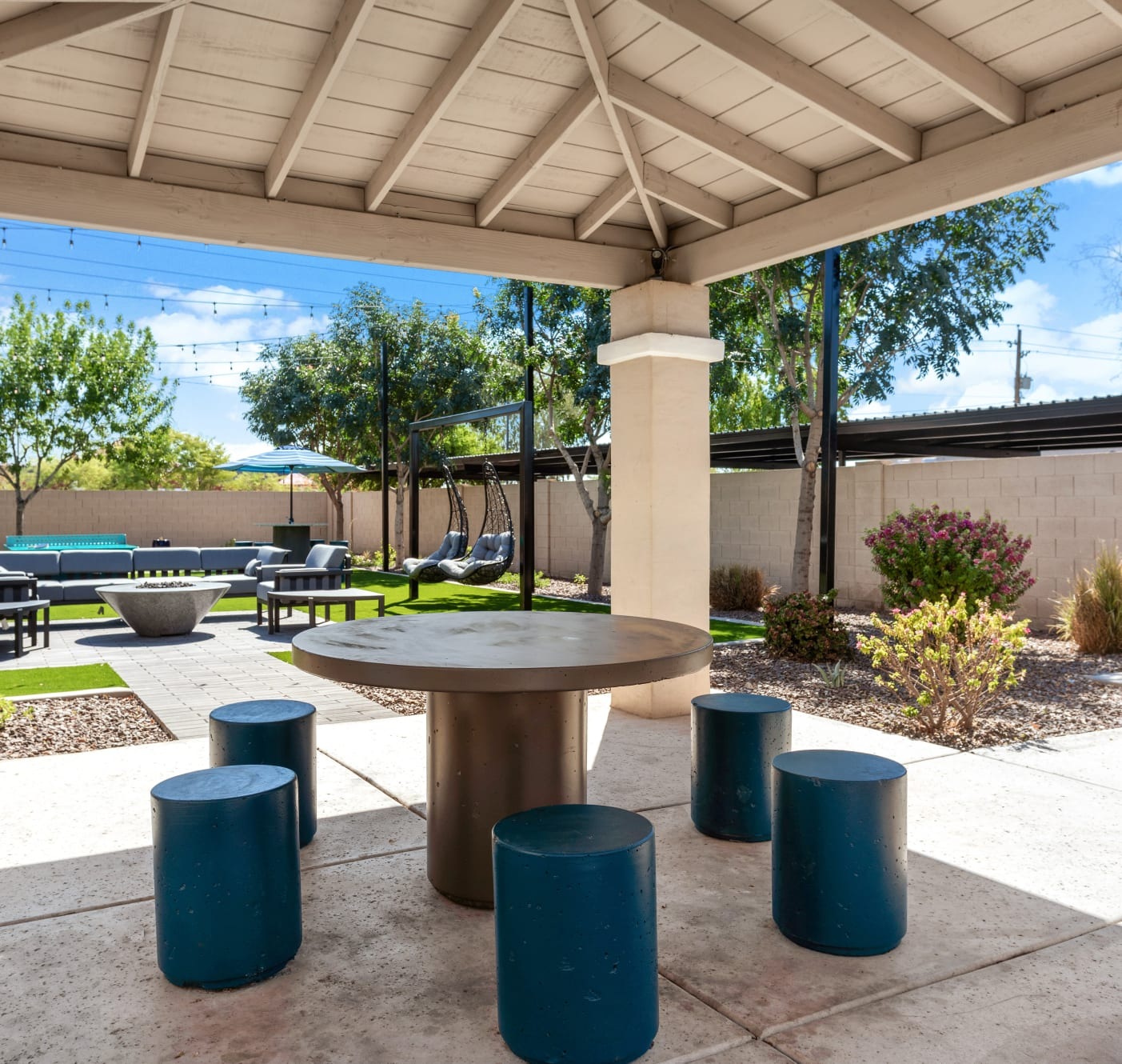 A beautiful picnic area at 1408 Casitas at Palm Valley in Avondale, Arizona
