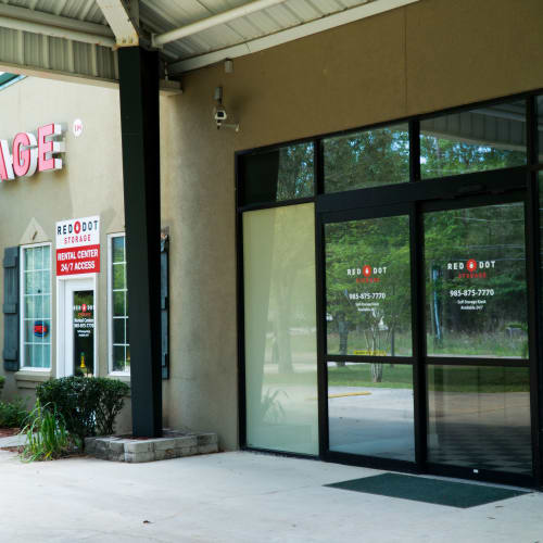 The entrance to the office at Red Dot Storage in Vicksburg, Mississippi