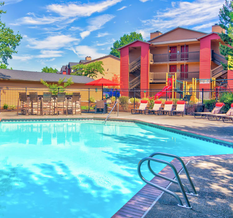 Swimming pool at Vista at 23 Apartments in Gresham, Oregon