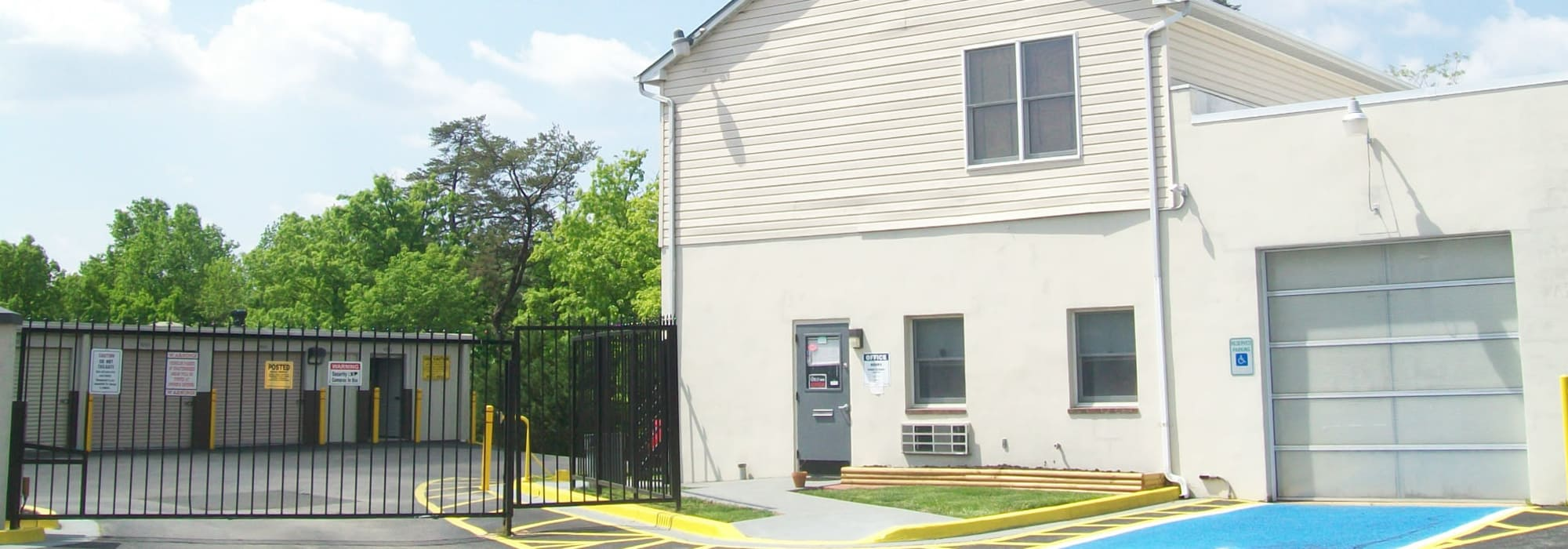 Self storage in Seabrook MD