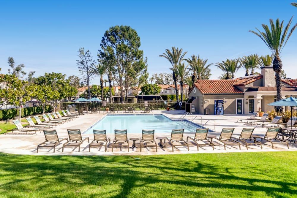 Beautiful manicured landscape with lots of trees at Hidden Hills Condominium Rentals in Laguna Niguel, California