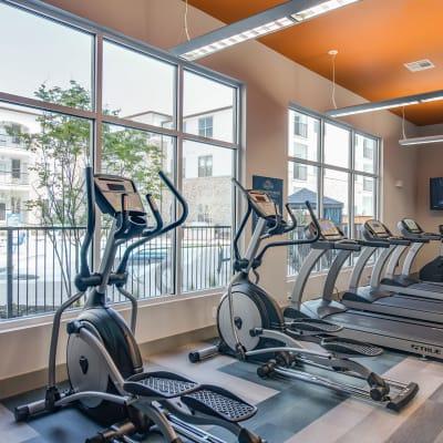 Gym area at Bellrock Upper North in Haltom City, Texas