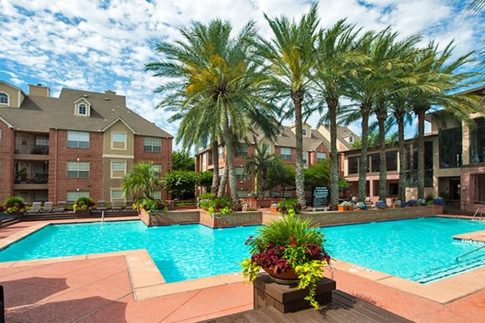 Resort Style Pool At The Westmore at Bellaire Apartments