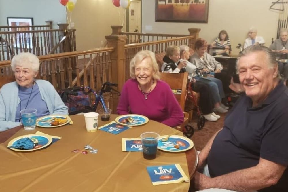 Residents enjoying a meal at Merrill Gardens at Siena Hills in Henderson, Nevada.