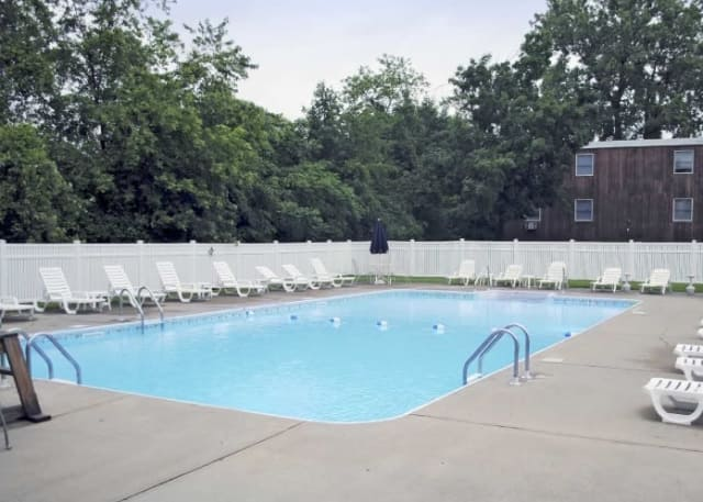 Liverpool ny apartments in onondaga county harborside manor - Ymca flushing swimming pool schedule ...