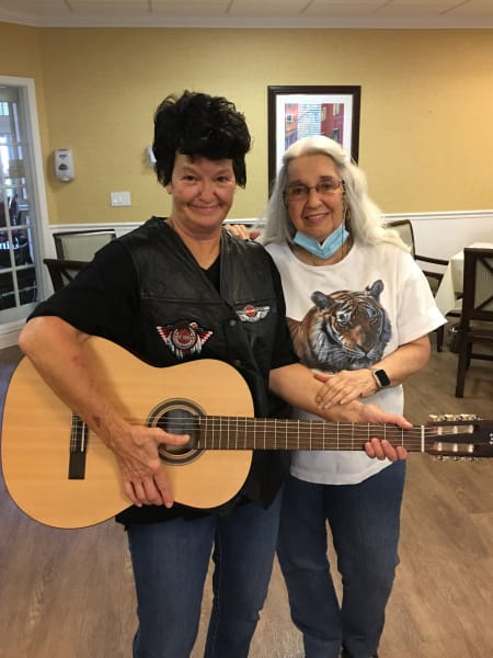 Barkley Place (FL) celebrated their 33rd anniversary with live music and Elvis!