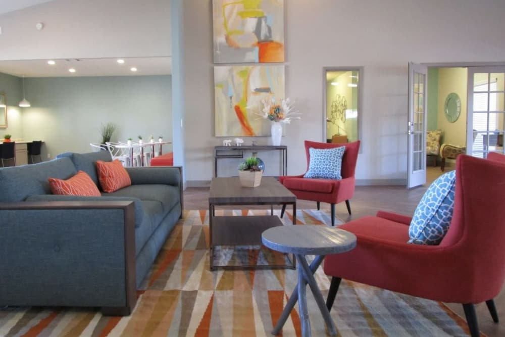 Community amenities at Lantana Apartments