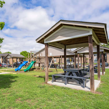 View Maple Creek Apartments's amenities in Nashville, Tennessee