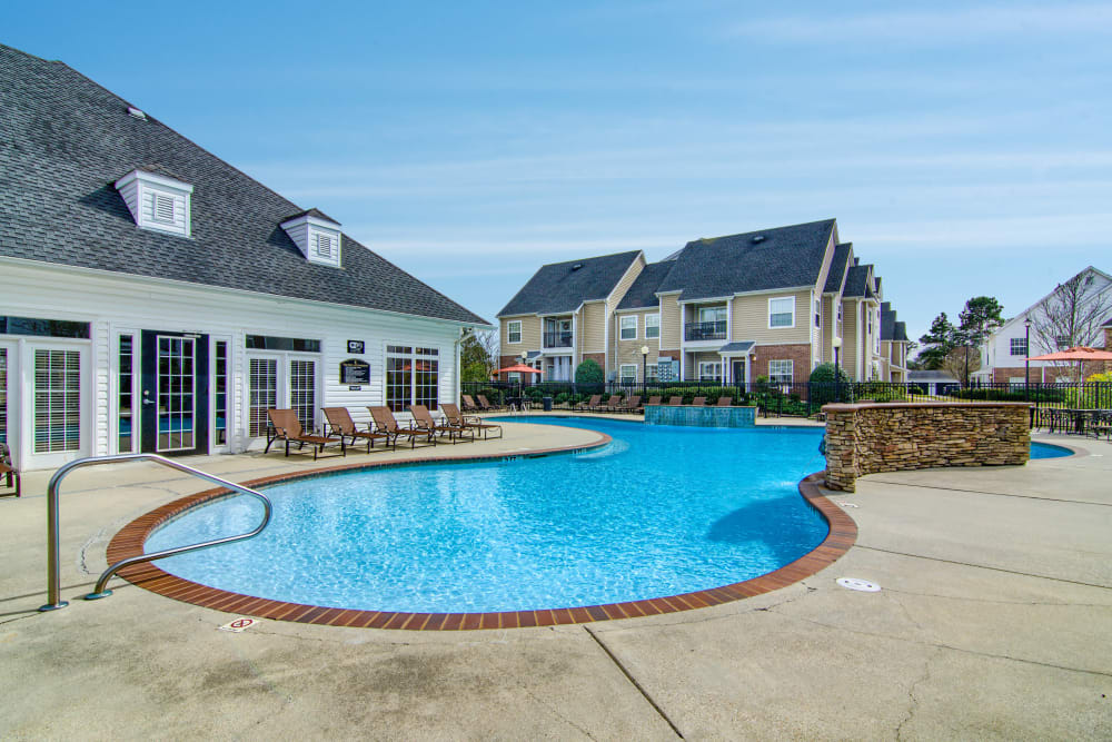 Resort-style swimming pool at Reserve at Long Point in Hattiesburg, Mississippi