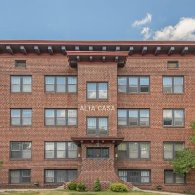 Apartments at Alta Casa in Des Moines, Iowa