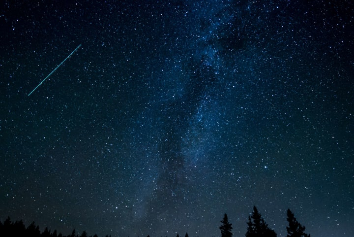 Meteor shower at {{location_name}}