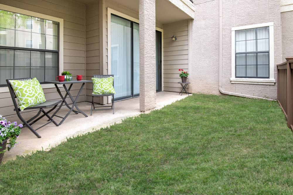Briargrove at Vail offers Apartments with Private Patios in Dallas, Texas