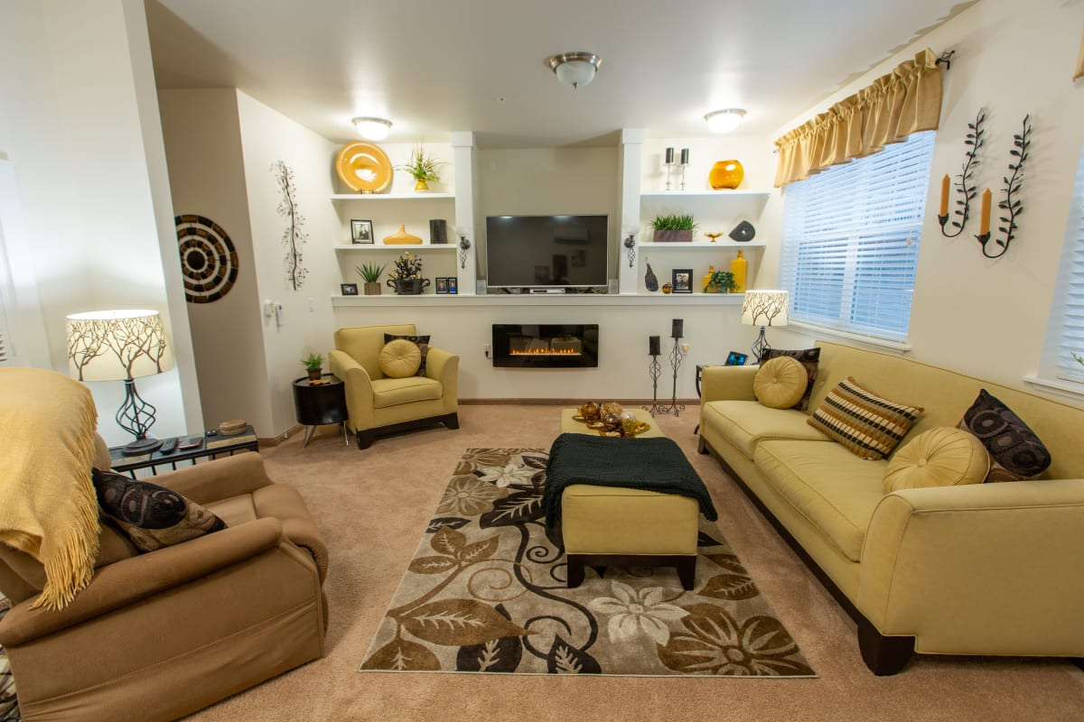 Spacious bedrooms at Osprey Heights Gracious Retirement Living in Valrico, Florida