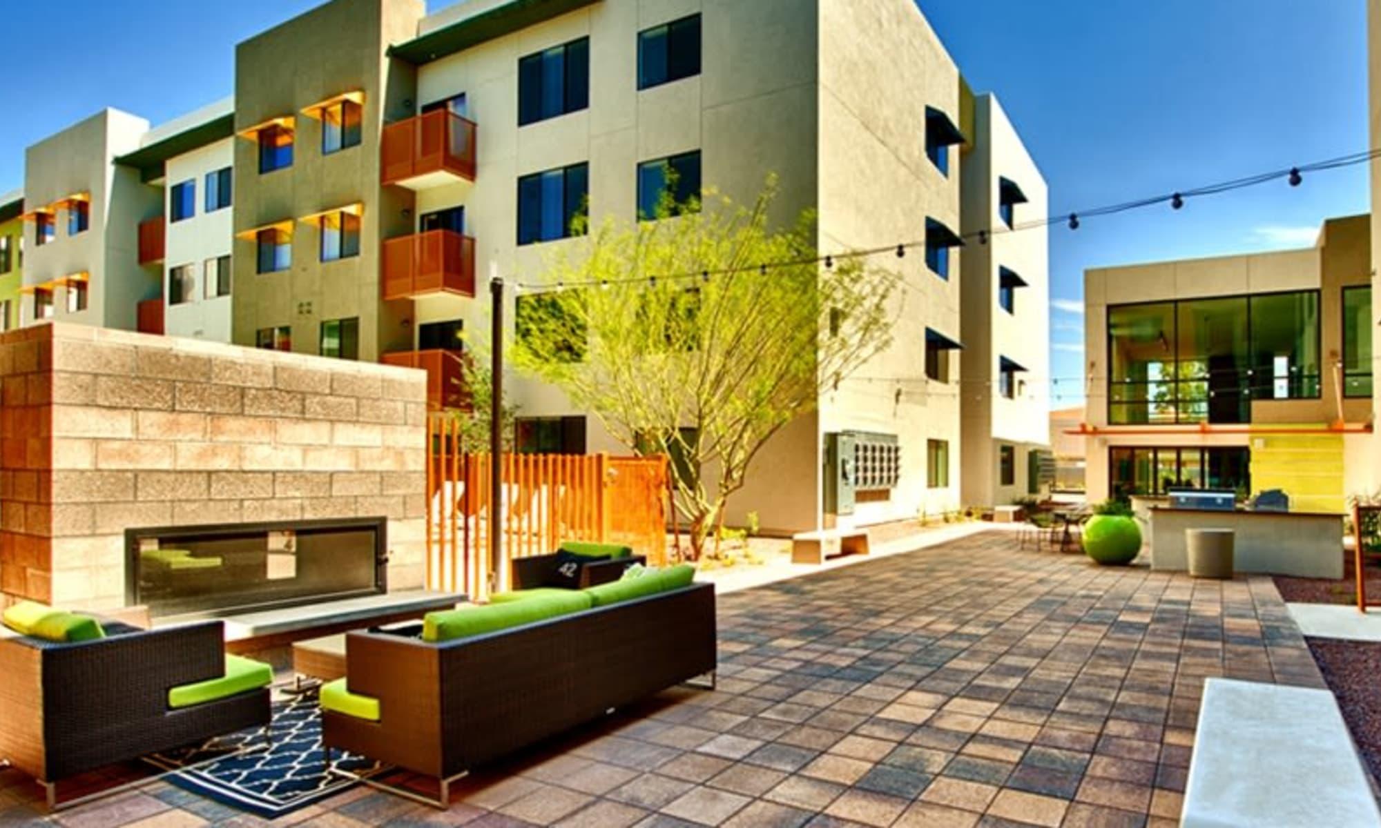 Cactus Forty-2 Apartments in Phoenix, Arizona