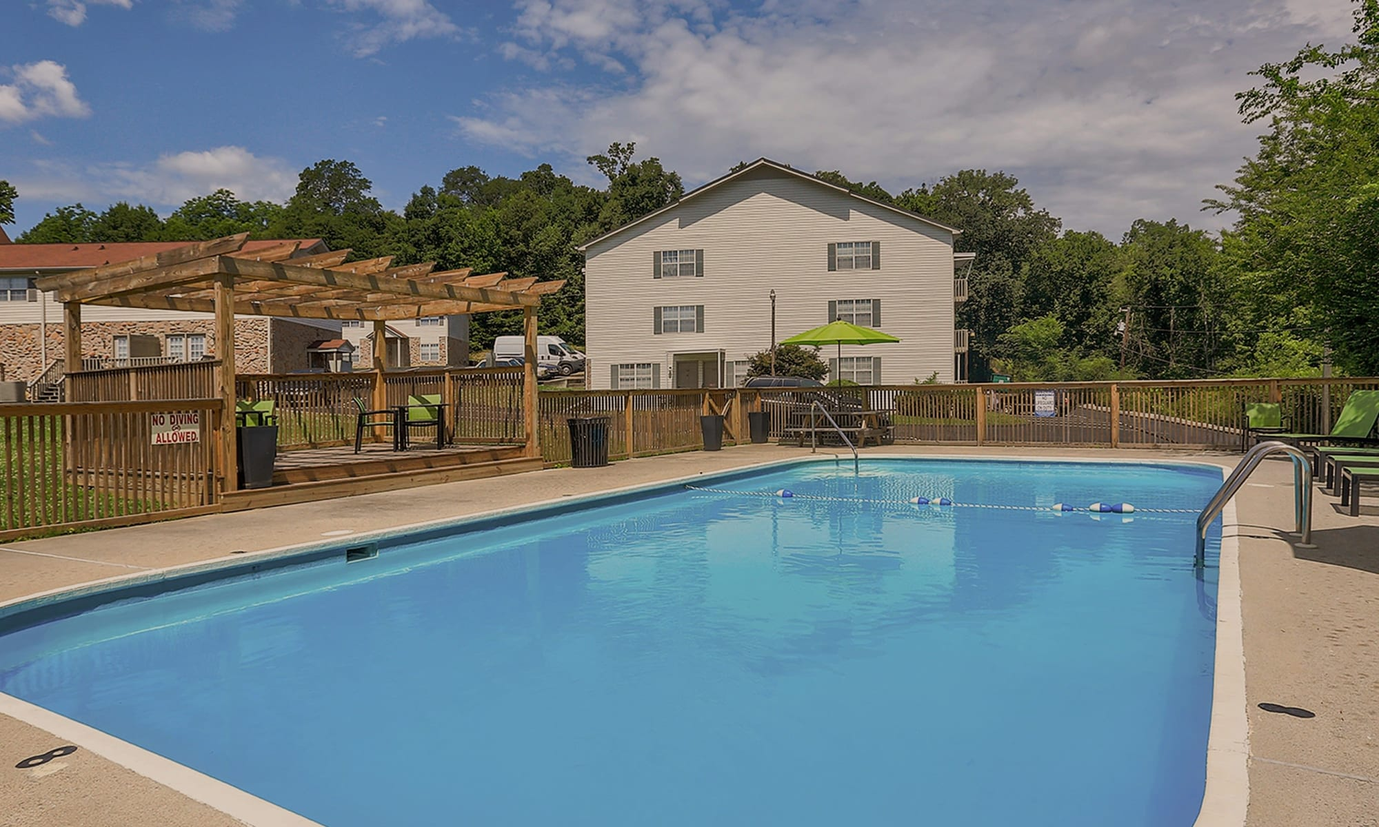 Apartments at Country Oaks in Hixson, Tennessee