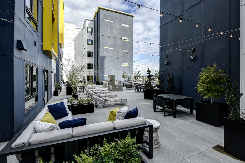 Outdoor Lounge at Kinect @ Broadway in Everett, Washington