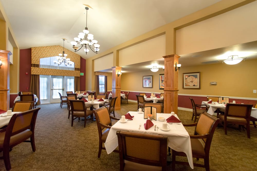 Dining room at Touchmark on West Century.
