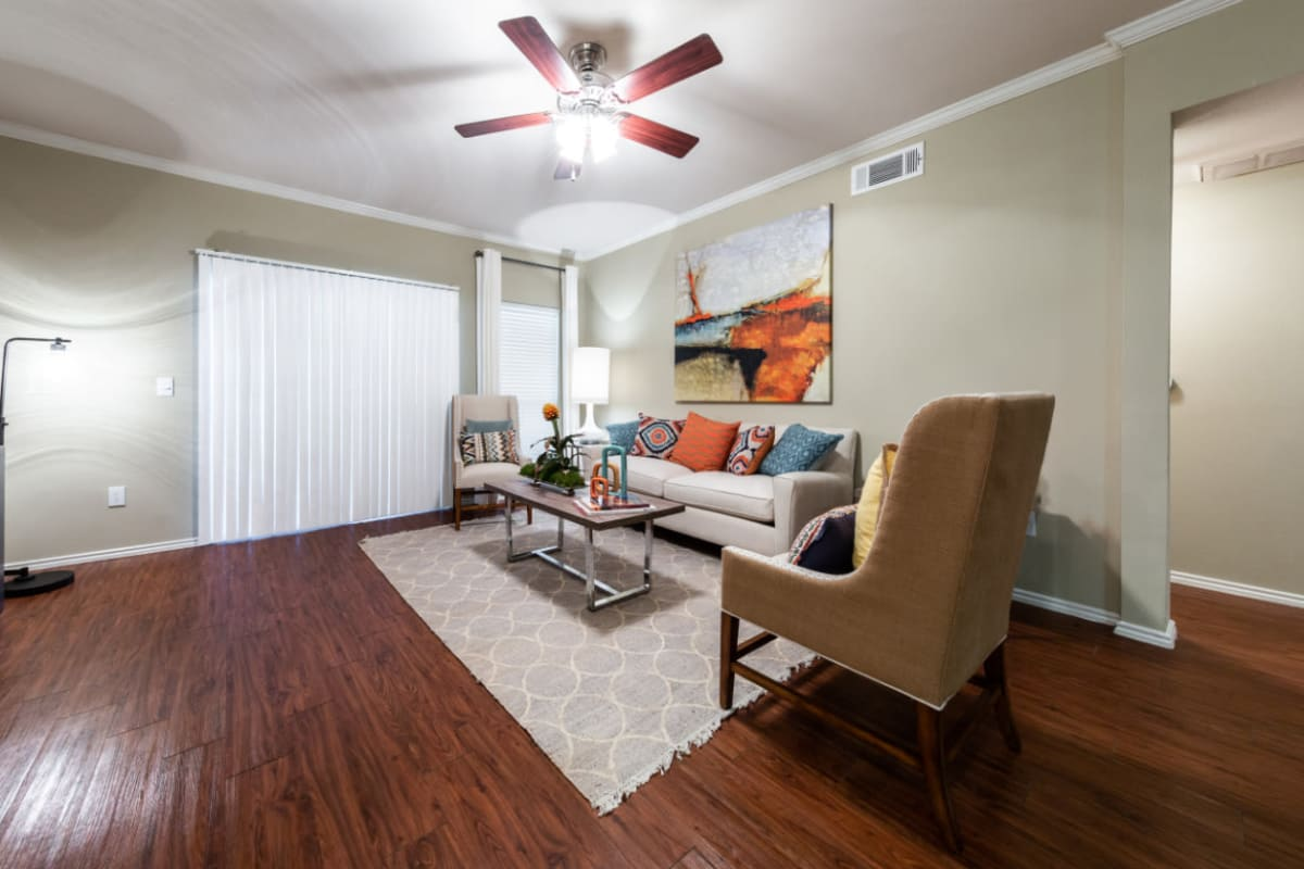 Well decorated living room at Marquis at Ladera Vista in Austin, Texas