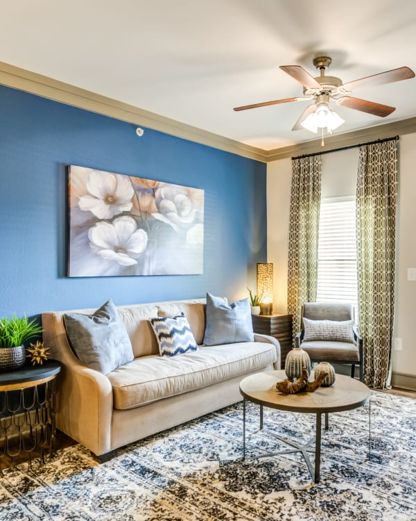 Living room at The Sovereign in Fort Worth, Texas