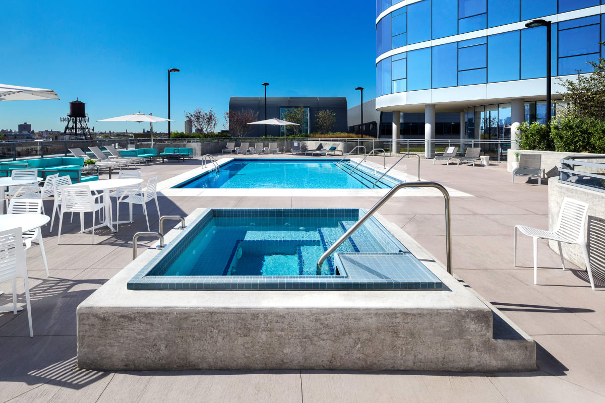 Beautiful rooftop pool at The Residences at NEWCITY in Chicago, Illinois